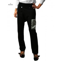 Trousers with crease