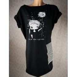 Prevelika majica - zaupaj Vesolju črna